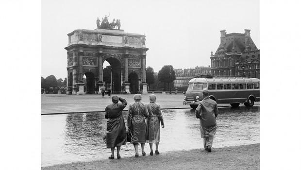 Creativ Duraklar – Parisii, Per İsis veya 'Paris'